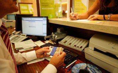 O seu banco pediu dinheiro para lhe dar o plano de pagamentos da casa?