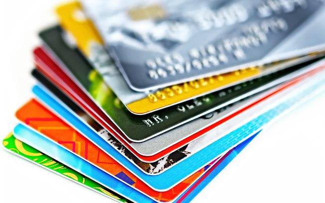 Aproveite a Black Friday dos bancos para dar cabo da sua dívida do cartão de crédito